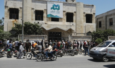 بعد انهيار العملة السورية.. كيف استقبل السكان بدء تداول الليرة التركية بمناطق المعارضة؟