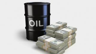 هل يمكن أن يصل سعر النفط إلى 100 دولار مجددا أم أصبح مستحيلا؟