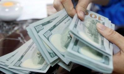 """بالإدارة الفاشلة وسقوط الدولار: إلى أين تتجه الولايات المتحدة بعد سنين من """"الامتياز الاستثنائي""""؟"""