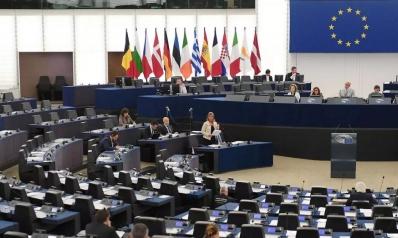 جائحة كورونا تتحول إلى أزمة سياسية تهدد منطقة اليورو فهل تفلت مجدداً؟