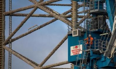 النفط يعكس اتجاهه هبوطاً رغم توقعات التعافي اقتصادياً