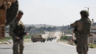 النظام السوري وحلفاؤه يحشدون في إدلب… وتركيا جاهزة للمواجهة