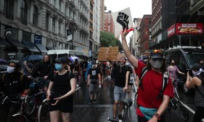 احتجاجات أميركا.. لماذا يمثل البيض أغلبية المتظاهرين؟