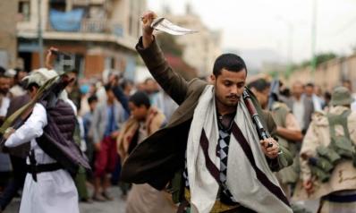 إيران تجبر الحوثيين على رفض تهدئة يحتاجون إليها بشدّة