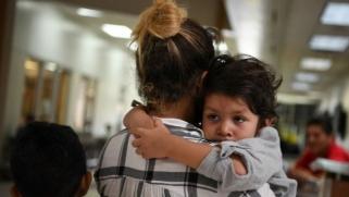 مواجهة جديدة مع المهاجرين.. إدارة ترامب تعلن رفض الطلبات الجديدة لبرنامج الحالمين