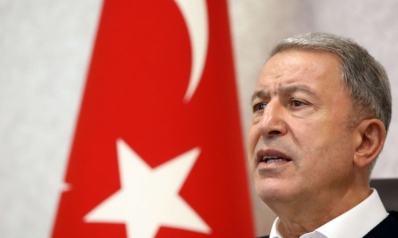 وزير الدفاع التركي يعرض على أمير قطر فاتورة تأجيج التوترات في المنطقة