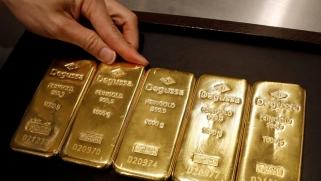 الذهب يكسر حاجز 1900 دولار والفضة تقفز 80 في المئة خلال 4 أشهر