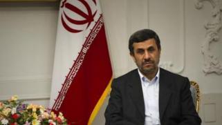 احمدي نجاد واللعب على تناقضات النظام