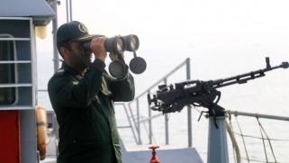 إيران تحتجز سفينة وتستدعي القنصل الإماراتي احتجاجا على مقتل صيادين إيرانيين