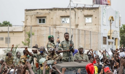 انقلاب مالي يحرك خليطا من الفوضى في منطقة الساحل