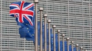 اقتصاد بريطانيا يدخل مرحلة ركود بتسجيل انكماش تاريخي
