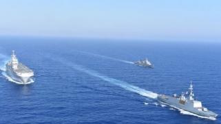 شرق المتوسط.. تركيا تحذر من أي اعتداء على سفنها وتطالب فرنسا بعدم تصعيد التوتر واليونان تطلب دعما من أميركا وأوروبا