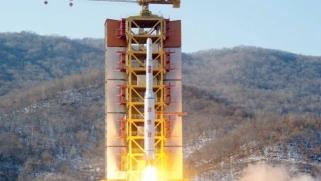 كوريا الشمالية طورت أجهزة نووية لتركيبها في صواريخها الباليستية