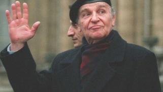 """95 عاما على ميلاد """"الملك الفيلسوف"""" بيغوفيتش.. استثناء أفلاطون للقرن العشرين"""
