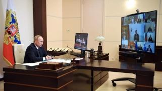 """بوتين يستغل """"سبوتنيك 5"""" لإعادة أمجاد بلاده العلمية"""