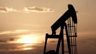 الذهب الأسود في مواجهة كورونا.. ماهي توقعات الخبراء لأسعار النفط؟