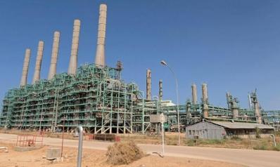 «اتفاق النفط» يؤجج صراع «تقسيم المناصب» في ليبيا