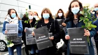 تظاهرات فرنسية تكريما لمدرس التاريخ ضحيّة العملية الإرهابية