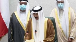 أمير الكويت يجدد الثقة بالحكومة ويطلب منها التحضير للانتخابات