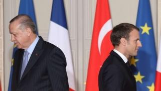 العالم الإسلامي يستمع لنداء أردوغان في حربه ضد ماكرون
