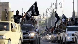 مؤسسات وهمية وتحويلات مالية وشركات عائلية سرية: هكذا موّل داعش نفسه