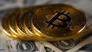 صراع جديد للنفوذ.. أي مستقبل للدولار في ظل تزايد أرباح العملات الرقمية؟