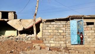 المعالجة العشوائية لملف النزوح في العراق تعيد النازحين من المخيمات إلى الخرائب