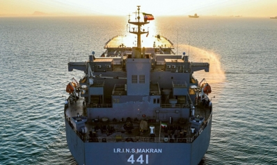 إيران توسع تهديداتها: استهداف حاملات الطائرات بصواريخ بعيدة المدى