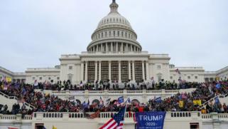 على وقع تحذيرات من انتفاضة مسلحة.. مجلس النواب يواصل تحركاته لعزل ترامب وانتشار أمني مكثف في واشنطن