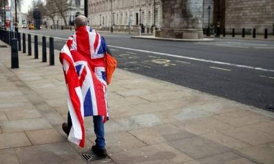 بريطانيا تدير ظهرها لأوروبا متجهة إلى مستقبل مبهم