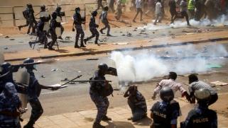 خطوات سودانية بطيئة لإعادة هيكلة الأجهزة الأمنية