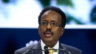 حكومة الصومال تحمّل زعماء الأقاليم مسؤولية فشل مساعي حل أزمة الانتخابات