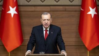 تحدث ووزير دفاعه عن مهمة القوات التركية بأذربيجان.. أردوغان يحذر أرمينيا من انتهاك وقف النار في قره باغ