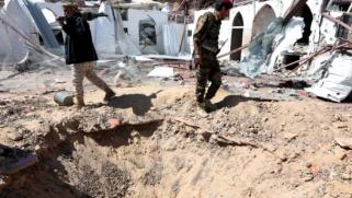 حرب مأرب تستعر.. الحوثيون يدفعون بتعزيزات كبيرة للسيطرة على المدينة والقوات الحكومية تقاتل لتفادي سقوطها