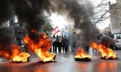 أمام عجز الفرقاء.. هل يتجه لبنان إلى التدويل لحل أزماته؟