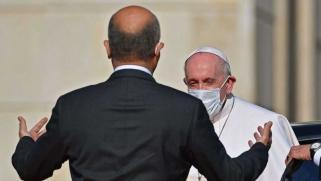 البابا يخاطب المسؤولين العراقيين: كفى عنفا وفسادا وتحزبات
