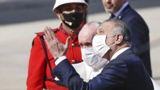 من وحي التفاؤل بزيارة البابا.. الكاظمي يدعو إلى حل معضلات العراق بالحوار