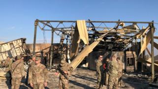 هجوم صاروخي جديد يستهدف قاعدة تضم قوات أميركية غربي العراق ويسفر عن وفاة متعاقد مدني