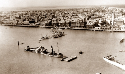 قناة السويس.. شواهد تاريخية على توقف أهم ممر بحري في العالم