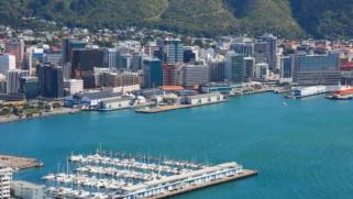 أمواج تسونامي متوقعة في المحيط الهادئ بعد زلزال عنيف قبالة نيوزيلندا