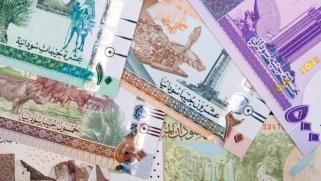 انهيار بعض العملات العربية.. ما الأسباب والتداعيات؟