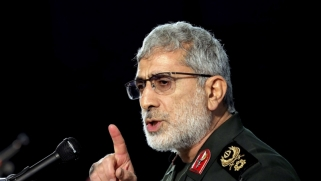 قاآني في بغداد لتوحيد الميليشيات حول الانتخابات واستهداف الوجود الأميركي