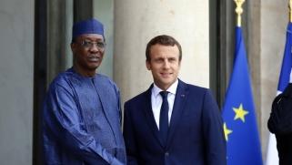 """فرنسا تنعى """"صديقها الشجاع"""" ديبي دون أن تتدخل لمنع قتله"""