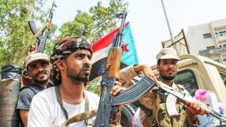 خلاف بين الانتقالي الجنوبي والشرعية اليمنية بسبب إقالة قائد القوات الخاصة