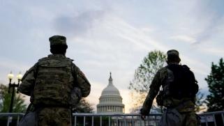على خطى جنرالات فرنسا: 124 جنرالا وأدميرالا أميركيا يحثون على إنقاذ بلادهم