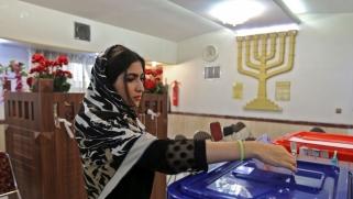 """ترشح العسكريين للرئاسة في إيران يضاعف المخاوف من """"عسكرة"""" الدولة"""