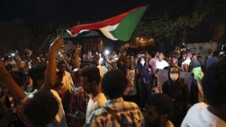 """الجيش السوداني يسلّم المتهمين في أحداث قتلى """"القيادة العامة"""" للنيابة"""