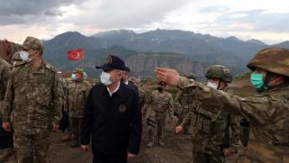 من قاعدة تركية في شمال العراق.. أكار يعلن تحييد 44 من العمال الكردستاني ويعد بالقضاء على الإرهاب