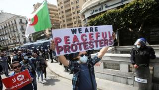 الجزائر تخطط لإضفاء الطابع الجهوي الضيق على الحراك الشعبي