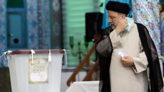 إيران تعد برئيس متشدّد